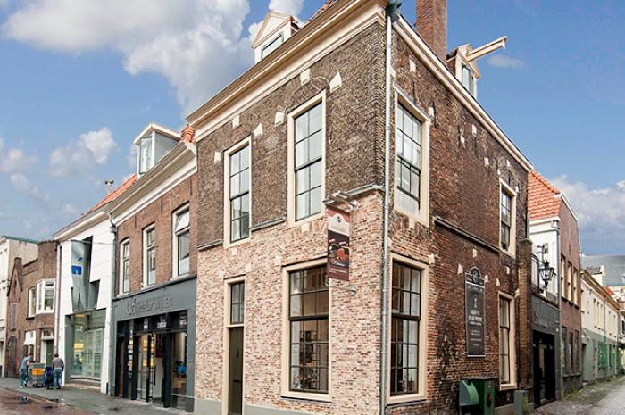 gallery_blijmarkt_exterieur_hoek_met_steeg-0797kopie.jpg